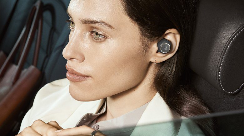beoplay e8 erster true wireless in ear von b o play. Black Bedroom Furniture Sets. Home Design Ideas