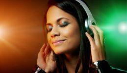 Welche Kopfhörer stören am wenigsten meine direkte Umgebung?  Ganz klar: die