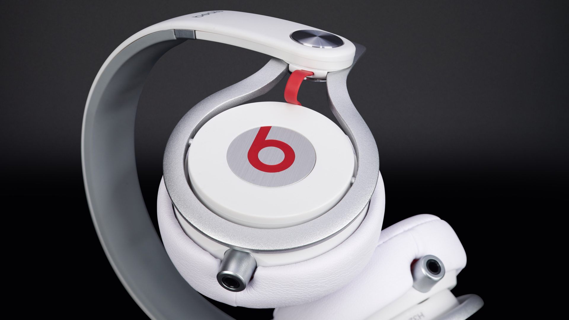 Beats by Dr. Dre Mixr White