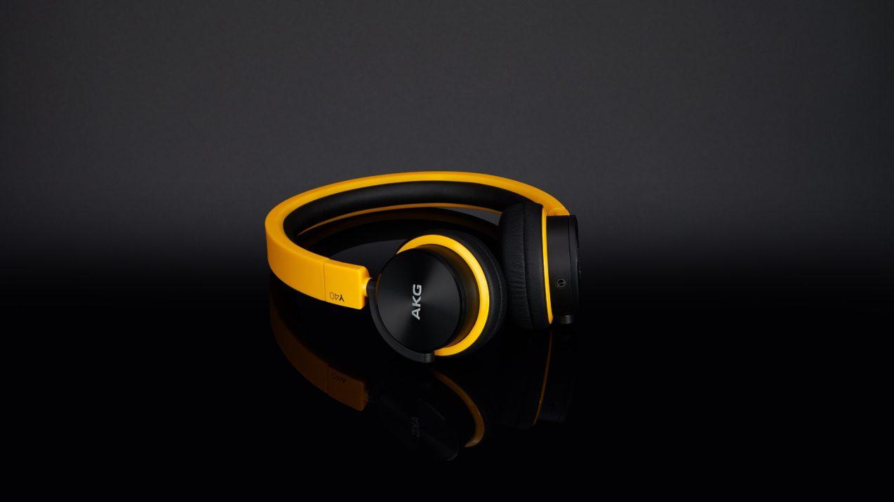 AKG Y 40 Yellow