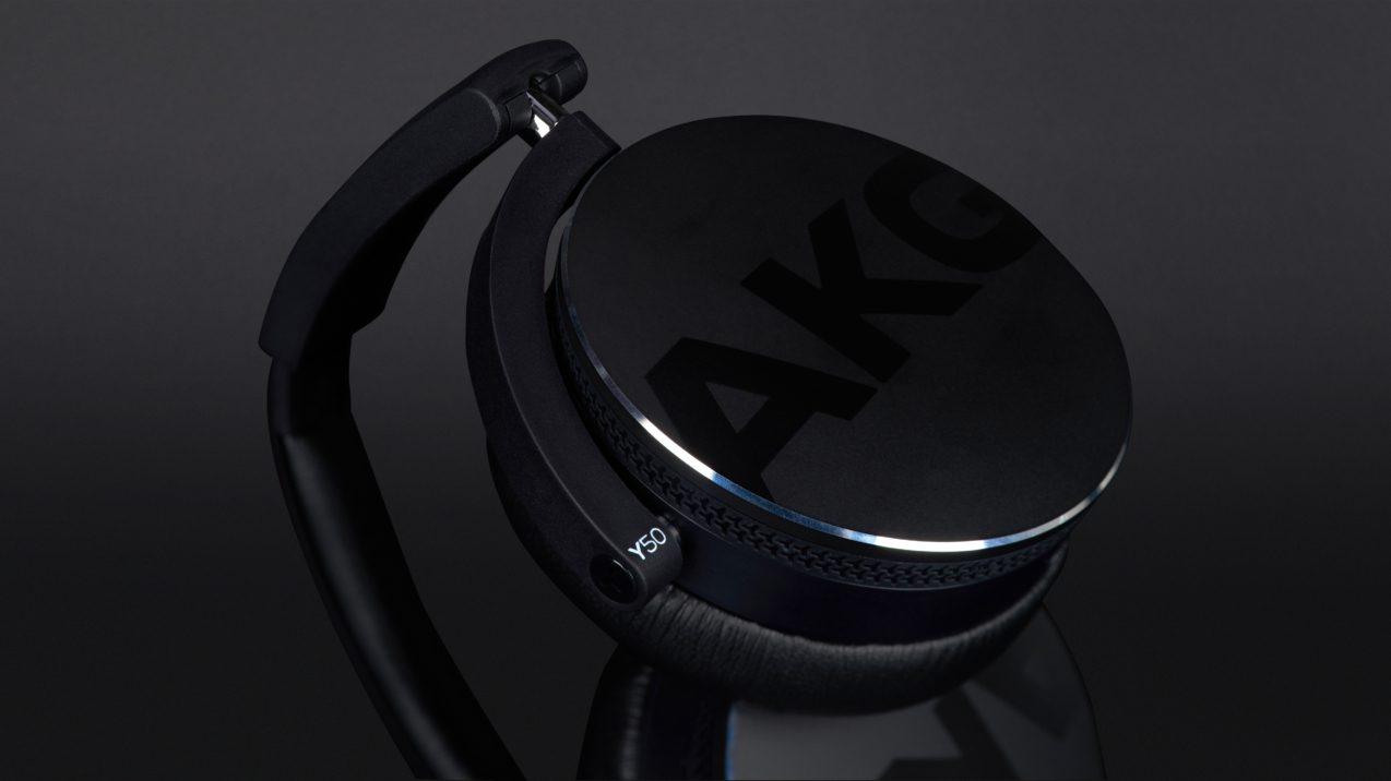 AKG Y 50