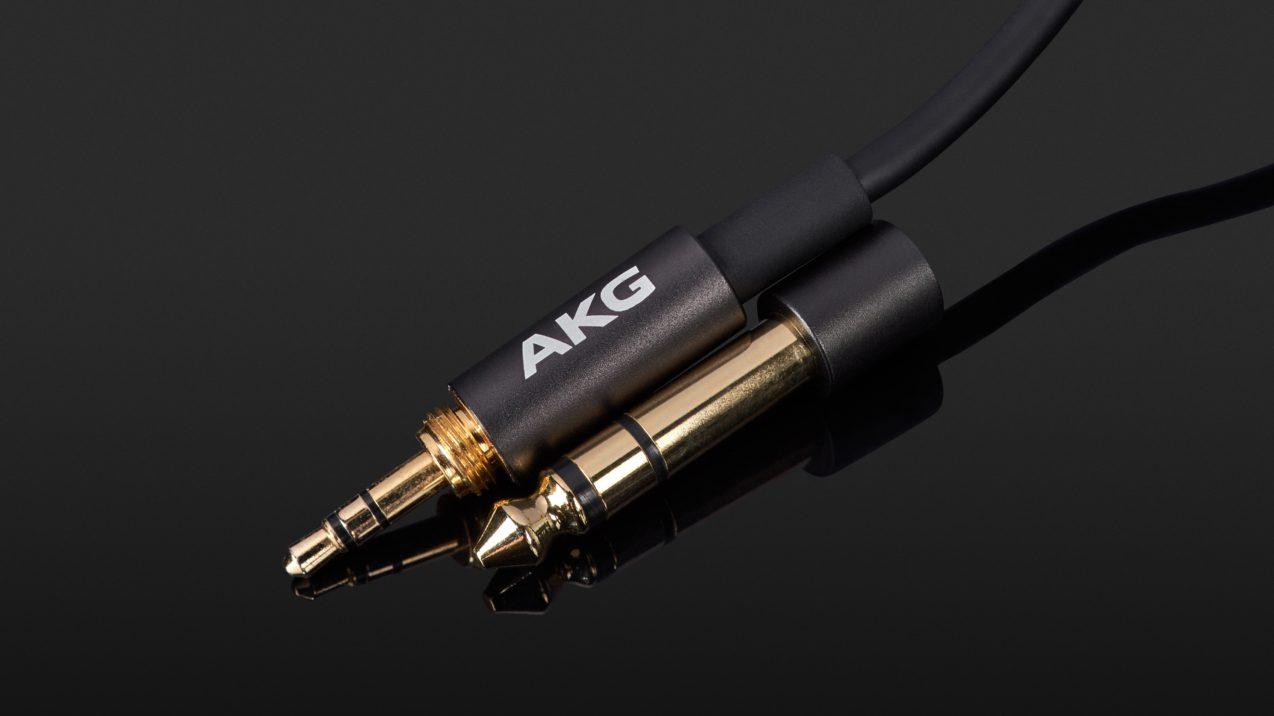 AKG K550