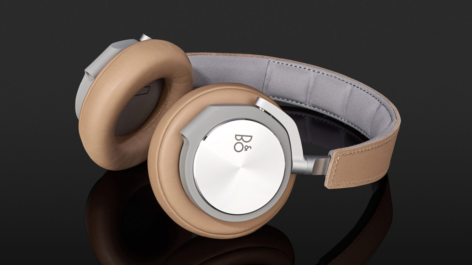 b o play beoplay h6 im test bei. Black Bedroom Furniture Sets. Home Design Ideas